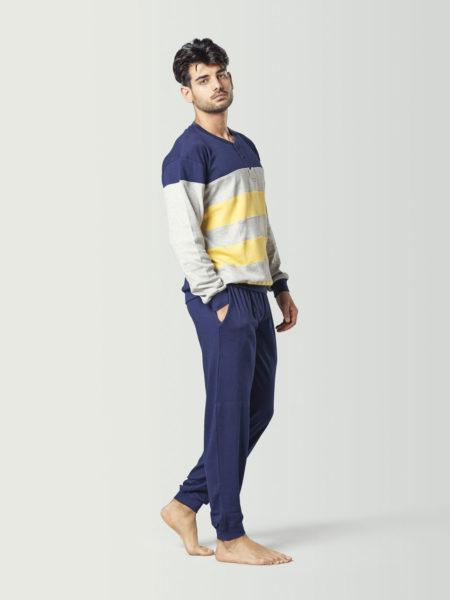 Pijama a rayas estilo chándal para chico