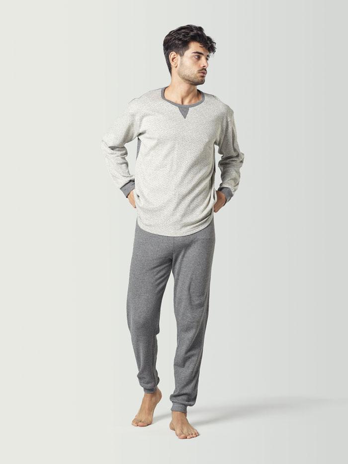 Pijama de hombre de invierno blanco y gris