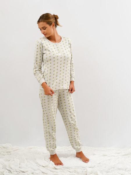Pijama de mujer estampado de flores