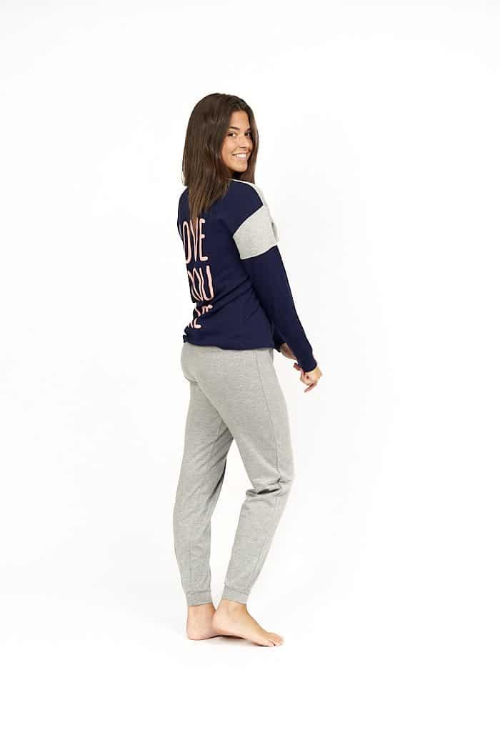 Pijama letras espalda