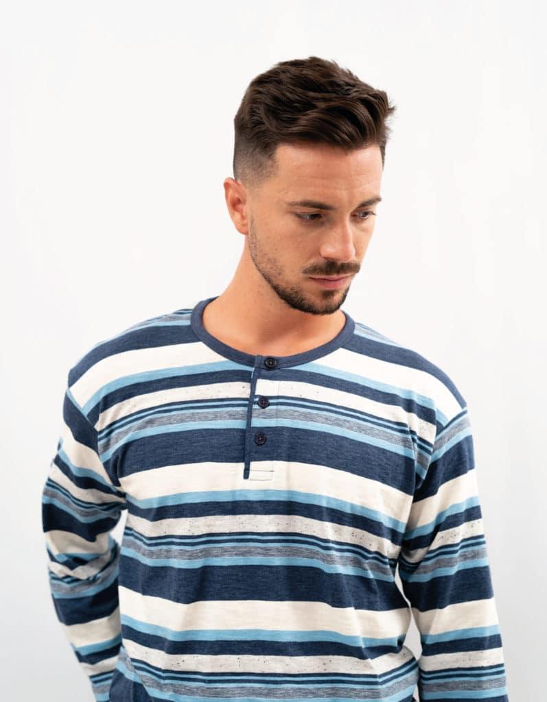 Pijama para hombre con rayas azules