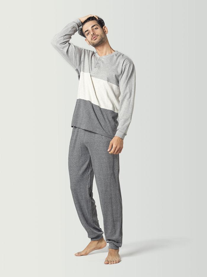 pijama en tonos grises para hombre